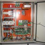 Cuadro de mando ascensor hidráulico de bloque de viviendas en Espirdo (Segovia)